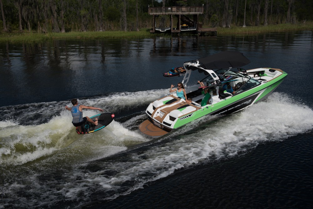 2017_Super_Air_Nautique_GS20-56