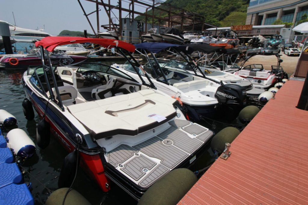 Asia Yachting Weekend Brokerage Boat Show displayed an arrays of stock speed boats