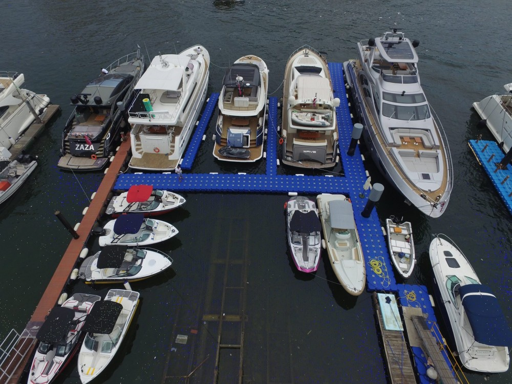 Asia Yachting Weekend Brokerage Boat Show displayed an arrays of stock speed boats_3