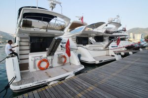 The Asia Yachting Evening Brokerage Boat Show displayed brokerage yachts from major brands including Monte Carlo Yachts, Princess, Azimut, Horizon, and Heysea_2