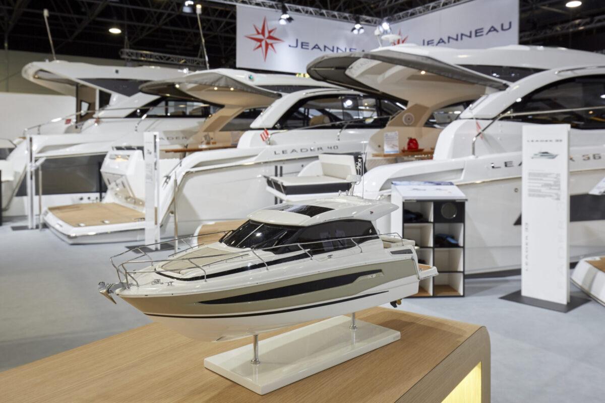 prestige model yacht
