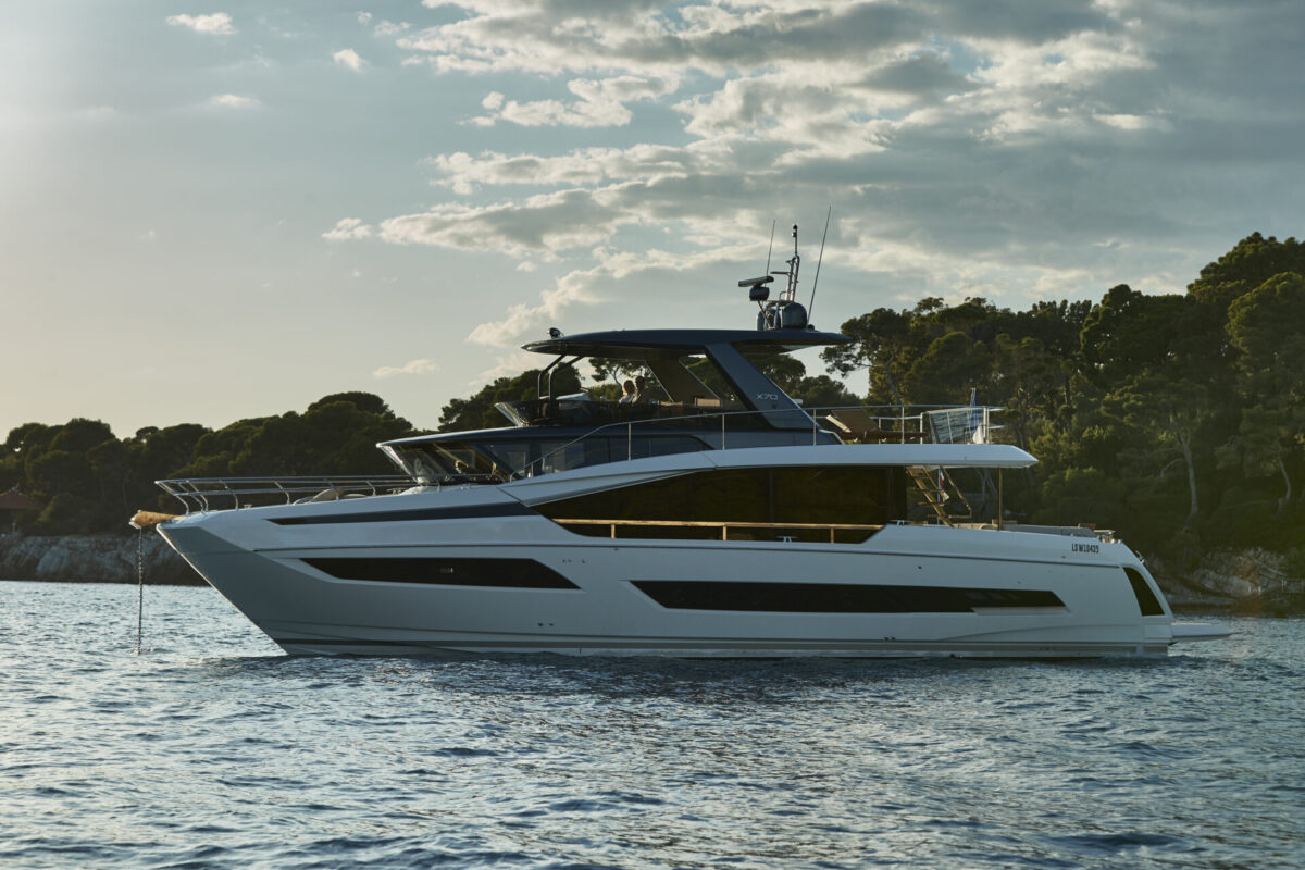 Innovative naval architecture and yacht design of Prestige X70